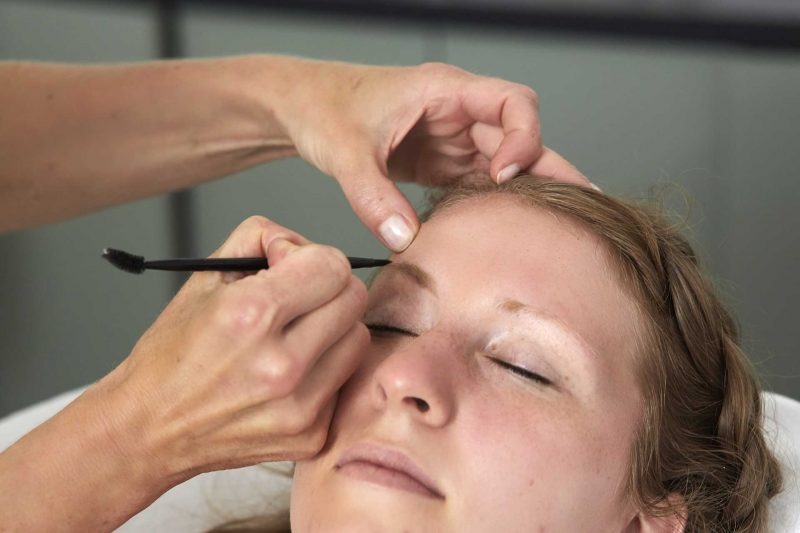 gallery-la-peguelle-payot-makeupstudio-brows-microdermabrasie-0242